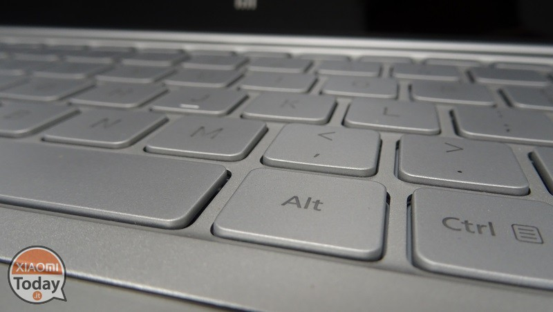 Xiaomi-Mi-Notebook-Air-13.3-3