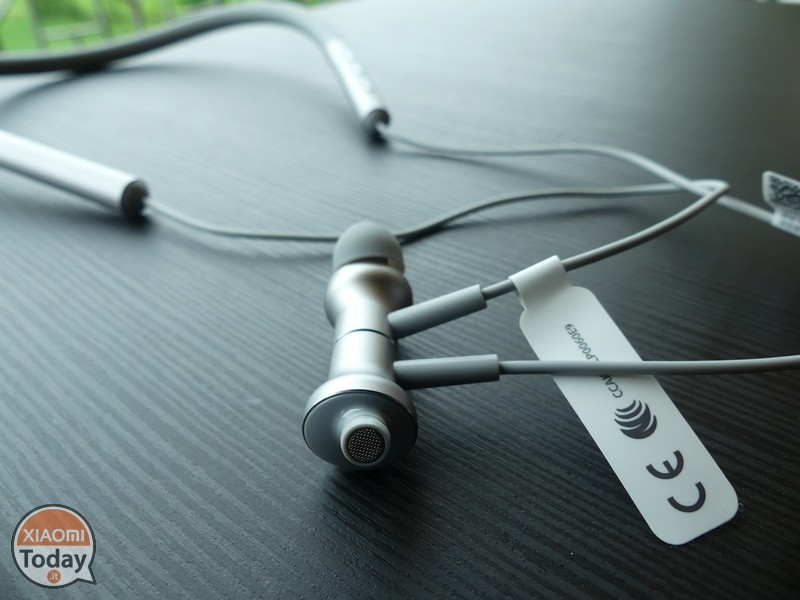 Xiaomi Mi Bluetooth Neckband Earphones Review