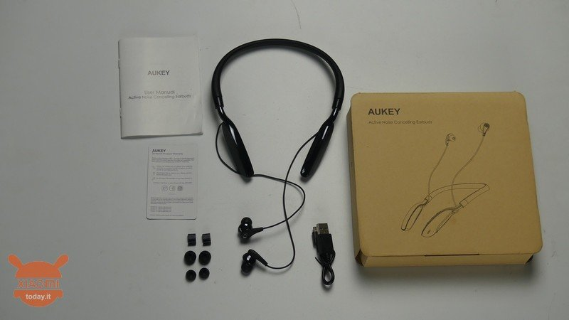 4e332e1ac1e The Bluetooth headsets EP-B48 from AUKEY adopt the typical design for this  type of products, Namely arched, therefore the back part of the structure  will be ...