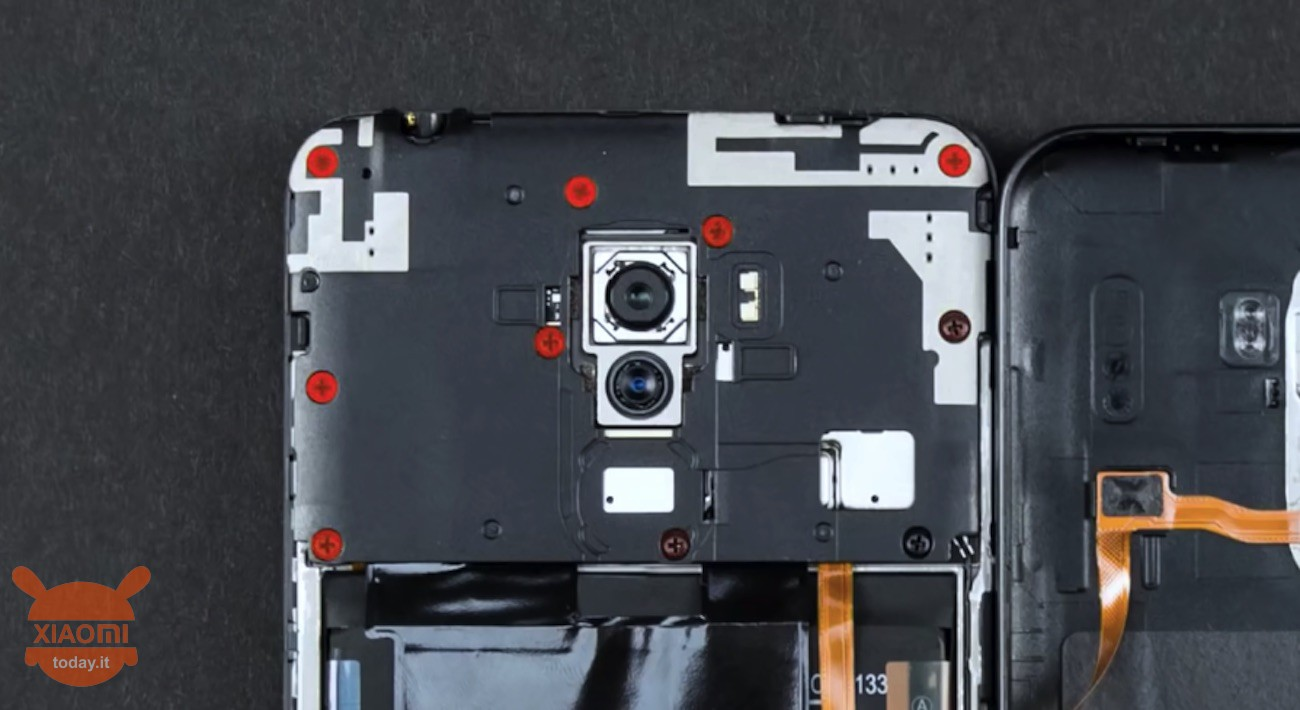 Xiaomi Pocophone F1 official Teardown from the company