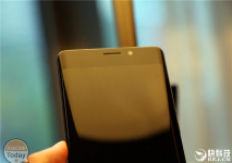 First unboxing of the Xiaomi Mi Note 2